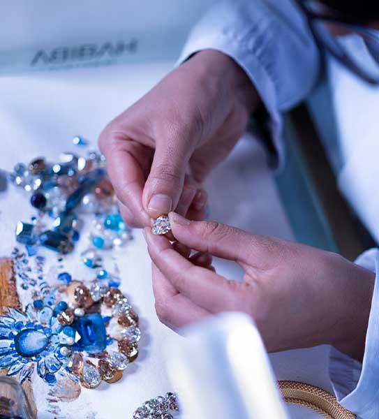 Habiba jewelery créatrice de bijoux artisanaux Tunisie